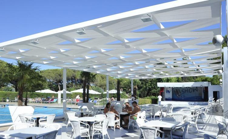 Resort Baia Domizia con piscina e animazione bambini-ragazzi