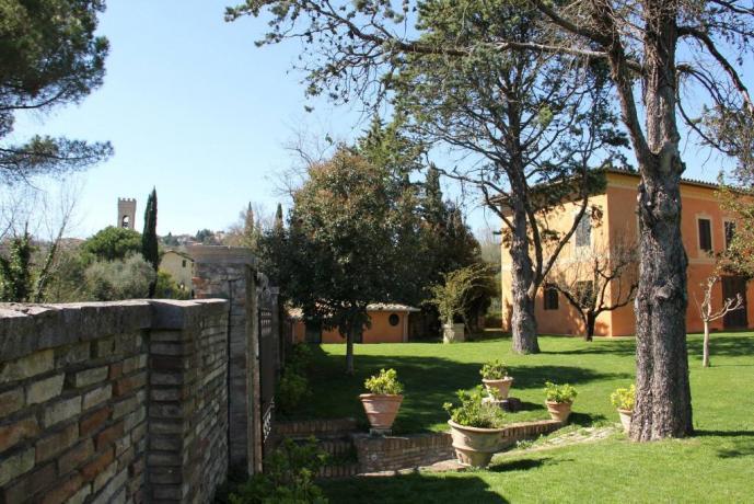Villa con piscina e posto auto in Umbria-Perugia-Assisi