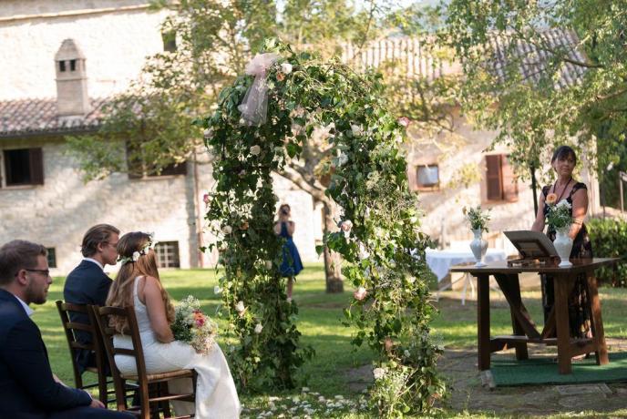Assisi organizzazione eventi a bordo piscina
