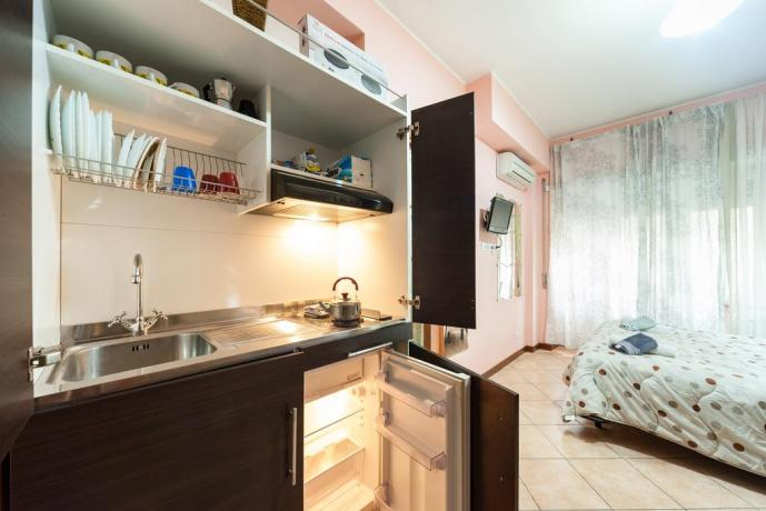 Appartamento Roma camera matrimoniale + cucina