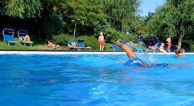 Piscina Esterna per Vacanze estive in famiglia