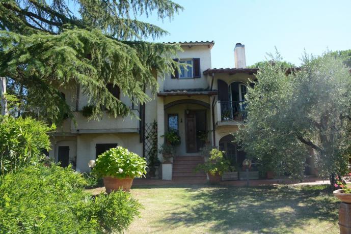 B&B ad Arezzo facciata esterna con giardino