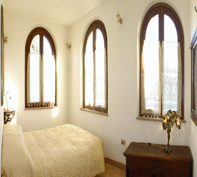 Santa Chiara Apartment, detail of the double bedroom