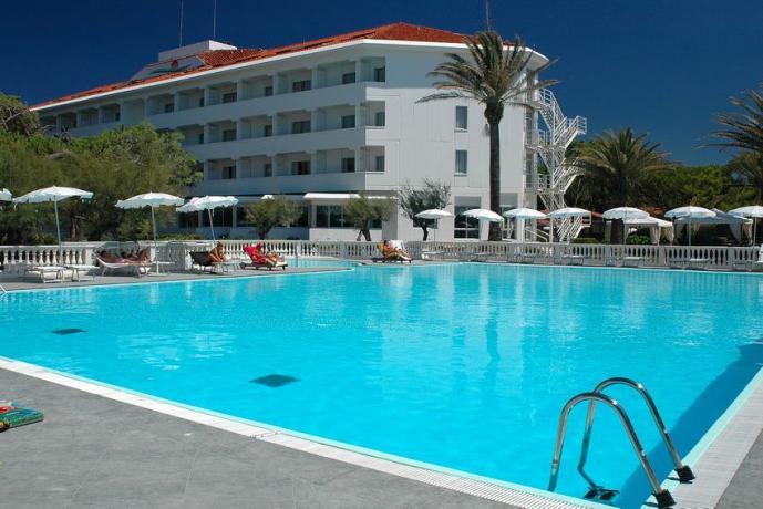 Hotel 4stelle con Piscina Animazione Baia Domizia