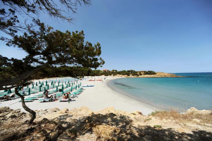 spiaggia sabbiosa di cala liberotto dove potersi rilassare
