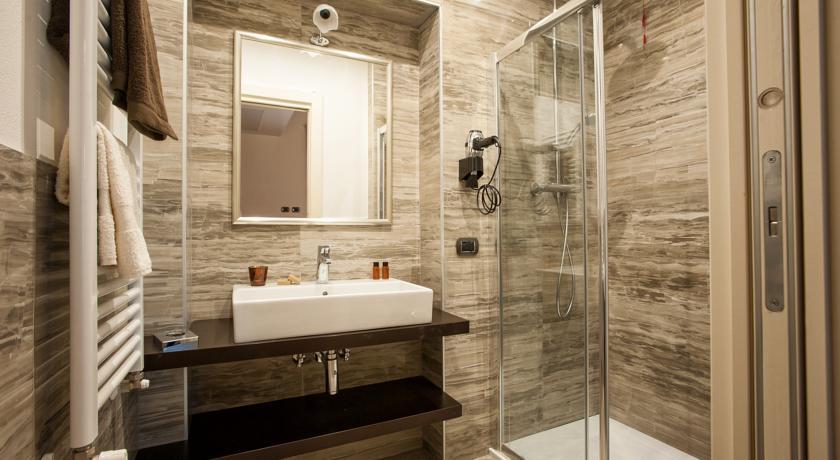 Camere doccia e prima colazione Castel del Piano