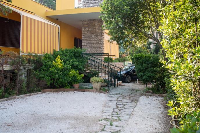 Ingresso appartamenti al centro di Lecce