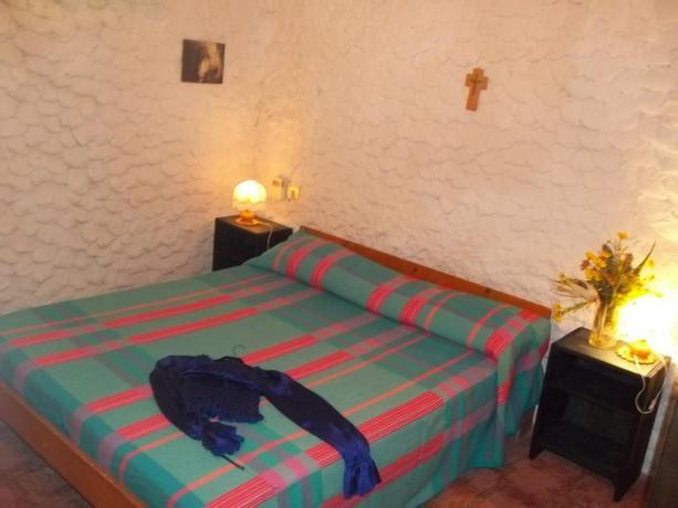 Camera matrimoniale in Agriturismo Lampedusa