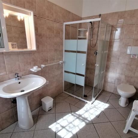 Box doccia in agriturismo per famiglie a Manciano-Grosseto