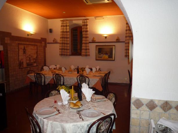 Hotel 3stelle Petrignano Assisi sala-ristorante meeting cene lavoro