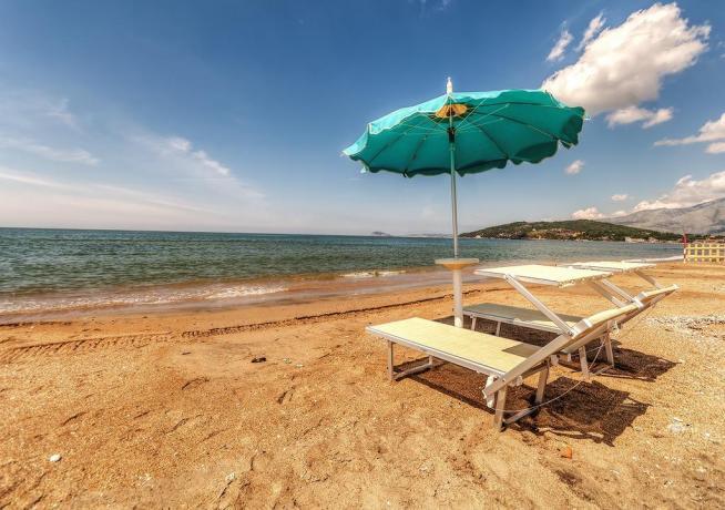 Hotel vicino Viterbo con spiaggia privata