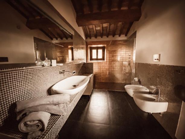 Bagno con doccia walk-in villa vacanze Lago Trasimeno