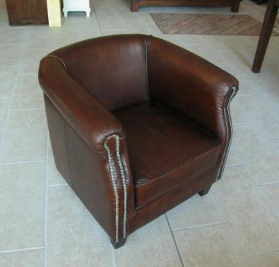 Poltrone e divani vintage un complemento d arredo unico per arredare casali agriturismo for Poltroncine in pelle