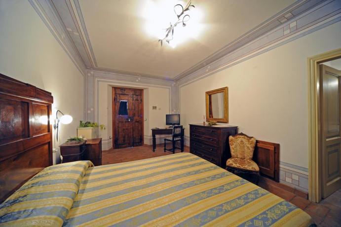 Camera Matrimoniale in Umbria Agriturismo Residenza