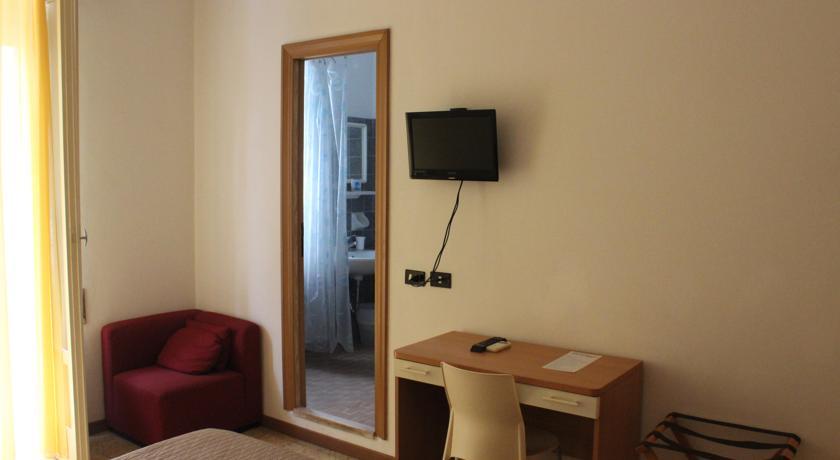 Camere dotate di ogni comfort a Rimini
