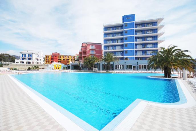Villaggio Residence Benessere sul Mare con Piscina