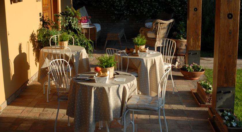 Colazione all'aperto in BB ad Assisi