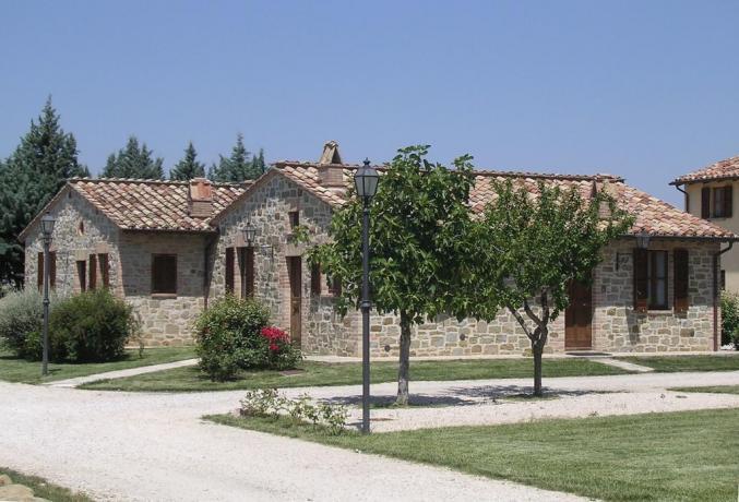 Casale vacanze tra Perugia Assisi con giardino privato