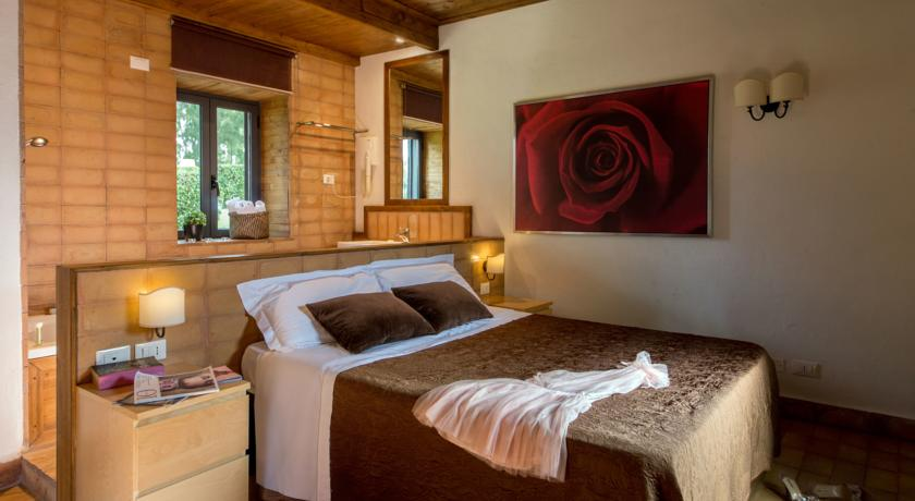 Suite con vasca idromassaggio in Resort Bracciano