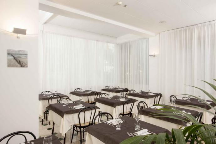 Ristorante interno Hotel con cucina tipica a Cattolica