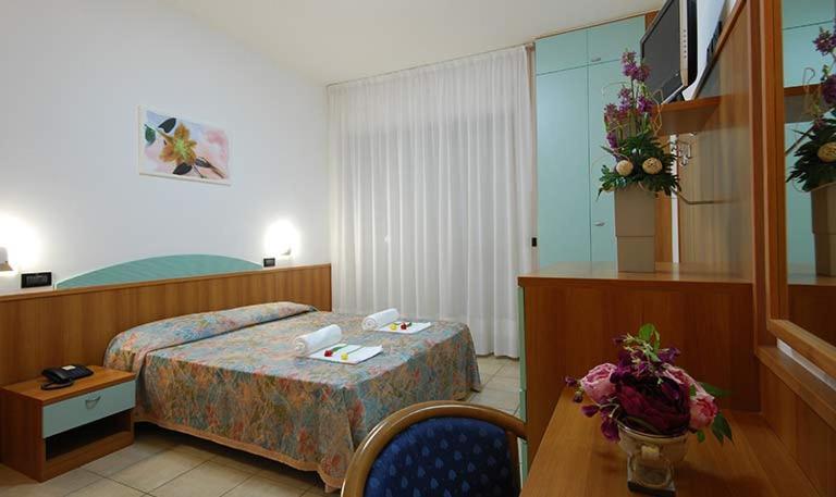 Camera con balcone vista mare hotel Alba Adriatica