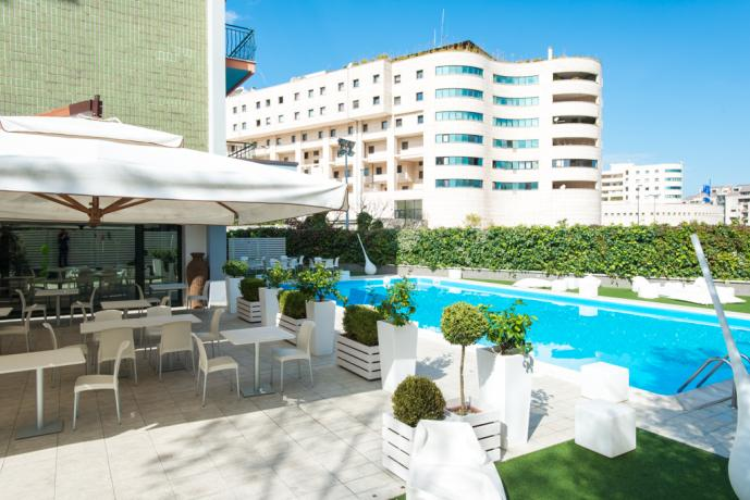 Hotel camere a Rende, piscina esterna e ristorante