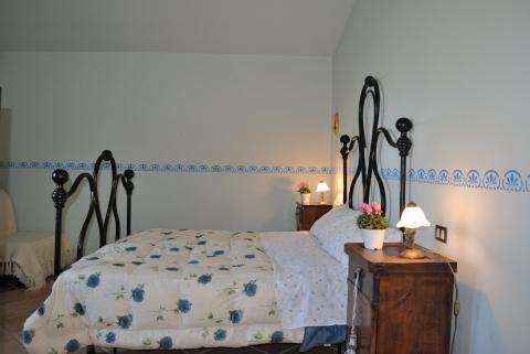 Camera da letto romantica in casale Tadino