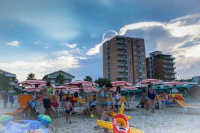 hotel3stelle-spiaggia-mare-montesilvano-hotel-family