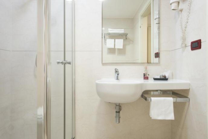 Hotel a Calabria, camere con servizi privati, doccia