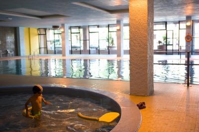 piscina-coperta-spa-hotel-residence-4stelle-abetone