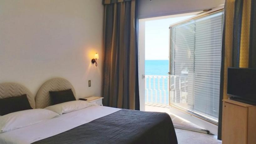 Hotel con camera romantica vista Parco Circeo