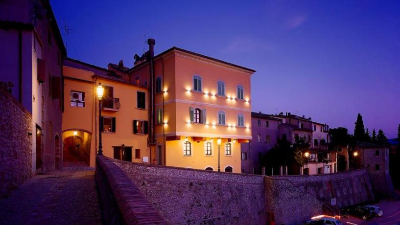 hotel 4 stelle SPA  Relais-Valmarecchia