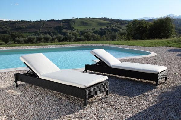 Aloha sofa prendisole a conchiglia ingrosso arredo per for Arredo piscina