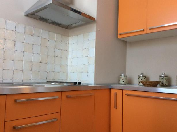 Cucina attrezzata in appartamento