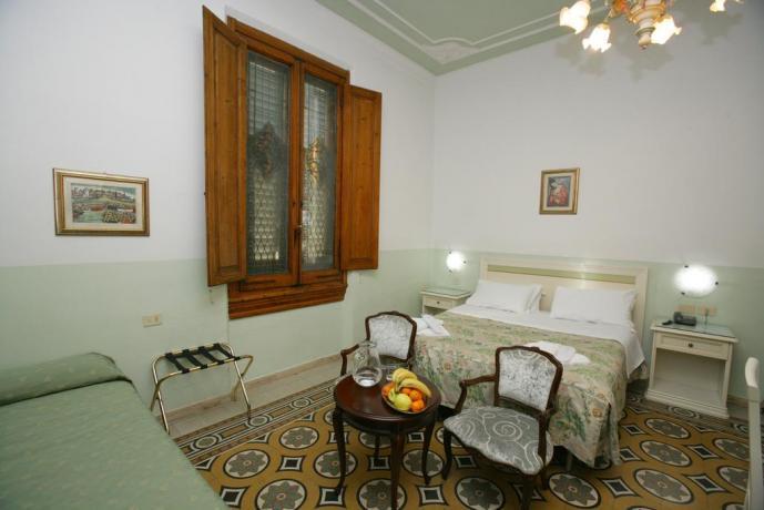 Camere Familiari con Prima colazione Firenze Centro