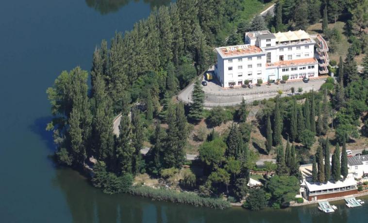 Panoramica dell'Hotel sul Lago di Piediluco