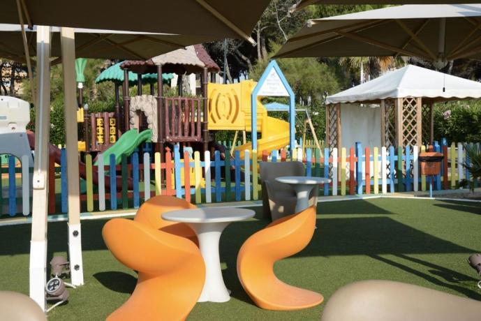 Parco Giochi Hotel ad Alba Adriatica, animazione inclusa