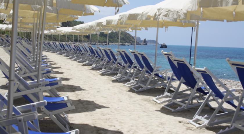 Spiaggia privata in Villaggio a Capo Tonnara