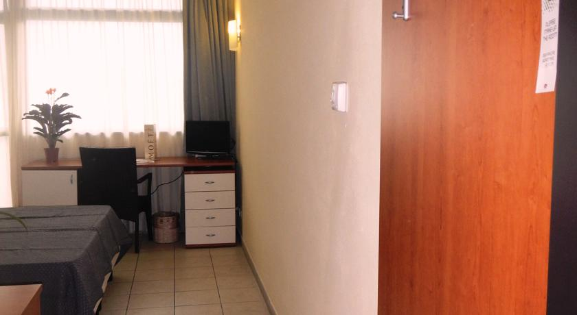 Appartamenti in Resort con Piscina a Camaiore