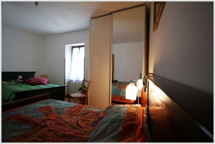 Camera quadrupla in Casale vicino Scheggino