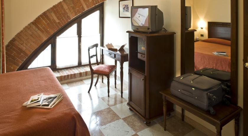 Camere Ristorante Parcheggio in Hotel in Piemonte