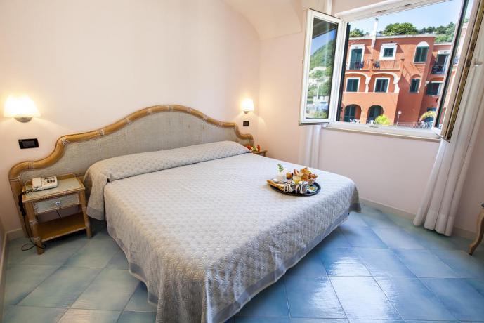 camera vista paesaggio hotel superior Ischia