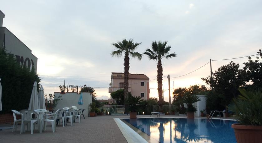 Hotel con Piscina e Animazione vicino Amantea