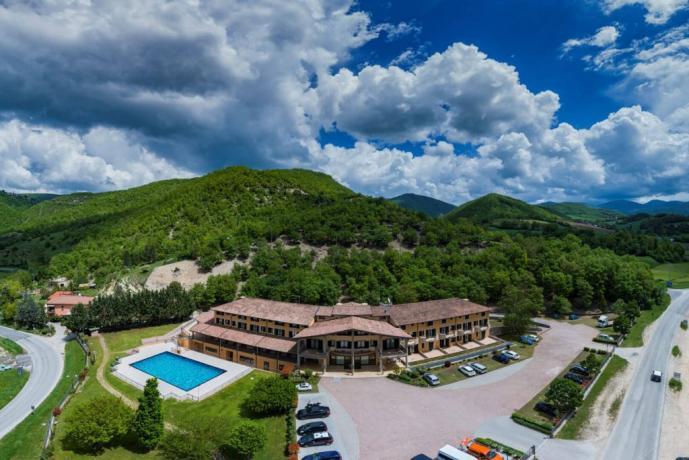 Hotel a Cascia immerso nella natura