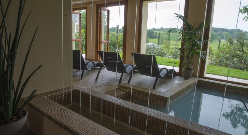 Centro Benessere con mini-piscina riscaldata