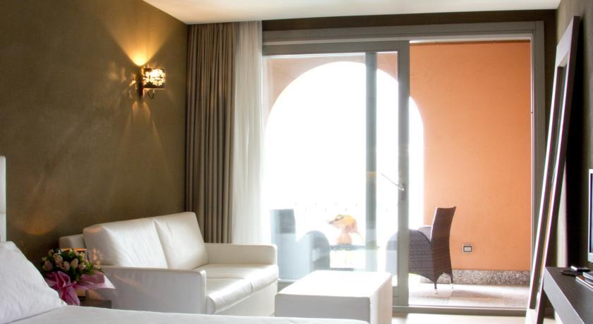 Vista Lago - Hotel Centro Benessere, Piscina, Suite