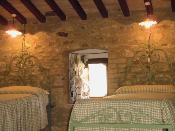 Appartamento con camera e letti singoli a Umbertide