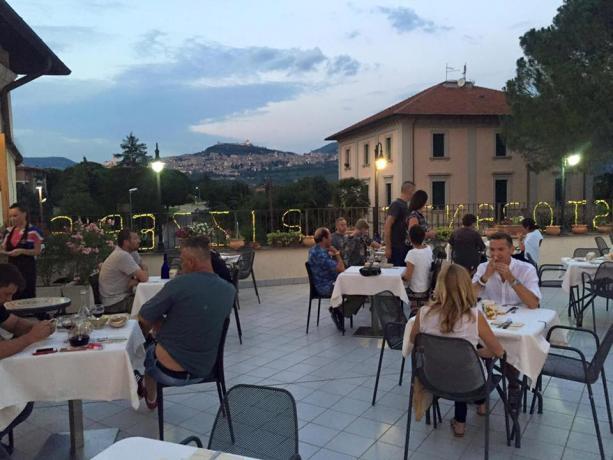 Vista Panoramica su Assisi dalla Terrazza