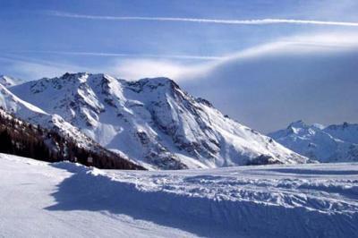 Skiing, snowboarding, climbing, trekking and skating, Aprica