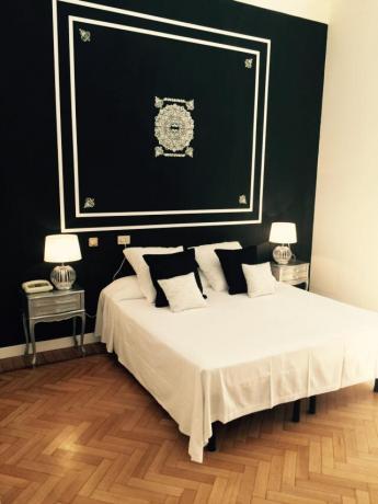 Eleganti Camere a Trinità dei Monti Roma